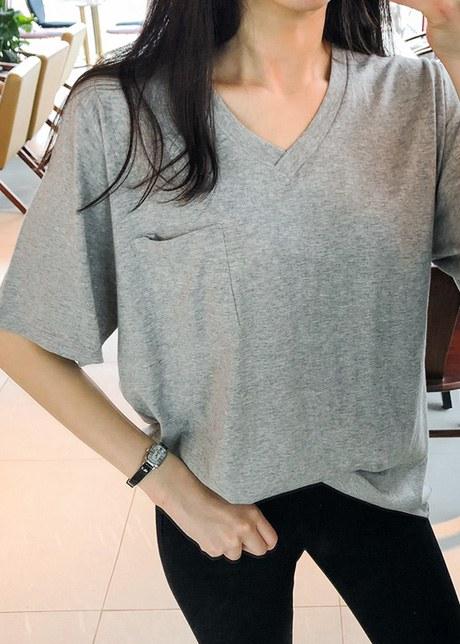 Kiberen V-neck pocket T-shirt